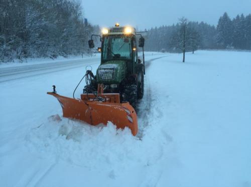 IMG 5608-Winterdienst-Schneeräumen